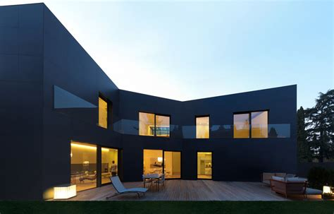 haus privat luxe house in sassuolo by enrico iascone architetti