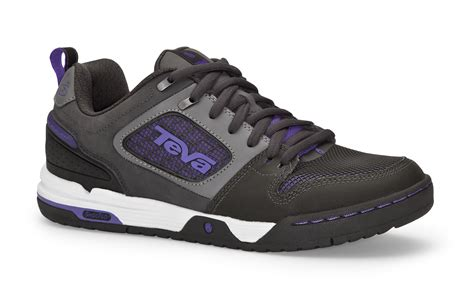 teva mountain bike shoes teva links flat pedal shoe reviews comparisons specs