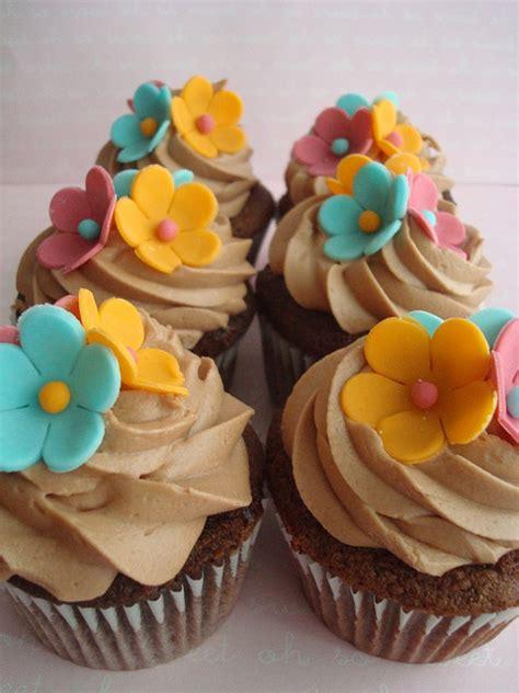 Cupcake Theme hawaiian cupcakes hawaiian cupcakes themed cupcakes and