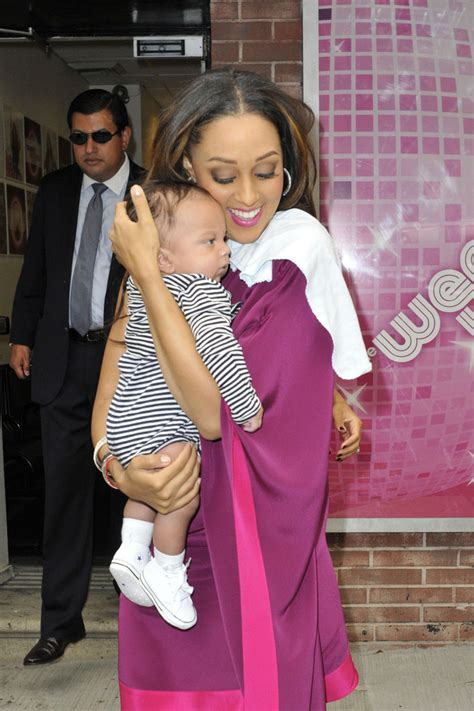 tia and tamera mowry get their twin style on at peta ad tamera mowry in sister act celebrity twins tia and