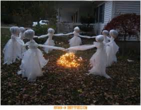 diy creepy decorations scary halloween decoration ideas for outside 34 yard pics