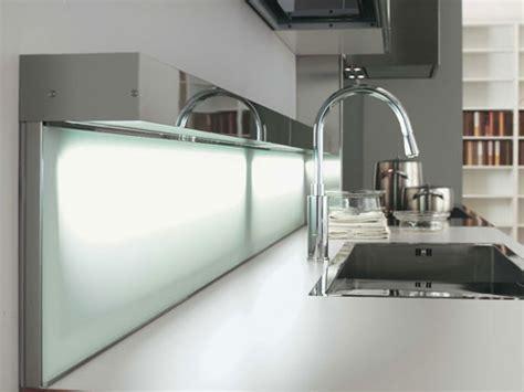 cr馥r sa cuisine sur mesure crdence en verre pour cuisine crdence de cuisine