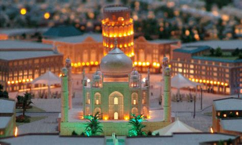Givenchy Princess Bn 1702 dubai to build replica of taj mahal for 1bn and this version will house a 300 room hotel and