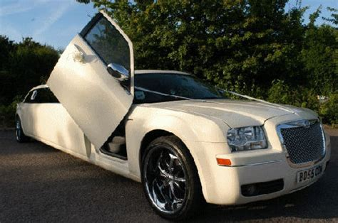 bentley cream chysler limo hire c300 limo rental