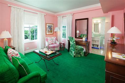 17 Game Changing South Region Hotel Renovations Pink And Green Room