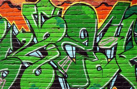 green graffiti wallpaper wall mural muralswallpapercouk