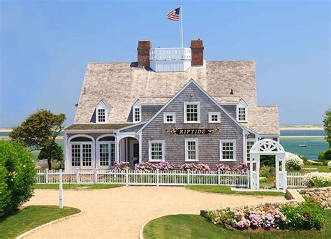 what is a cape cod home 15 cape cod house style ideas and floor plans interior