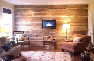 Wall covering with pallet