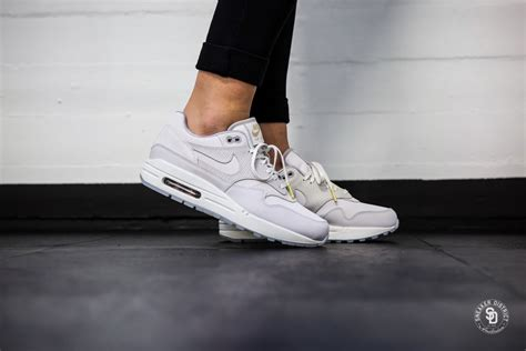 Nike Air Max 90 Premium 1 nike s air max 1 premium vast grey atmosphere grey