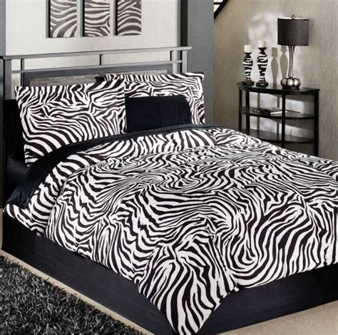 Zebra Print Bedroom Designs 25 Best Ideas About Zebra Bedding On Zebra Print Bedding Pink Zebra Bedrooms And