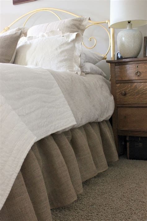 burlap bedding how to make a burlap bedskirt daisymaebelle daisymaebelle