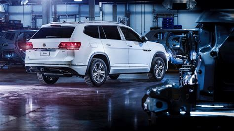 volkswagen atlas 2018 2018 volkswagen atlas r line revealed autoevolution