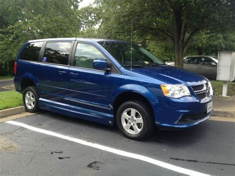 2011 Dodge Grand Caravan Passenger by Find Used 2011 Dodge Grand Caravan Sxt Mini Passenger