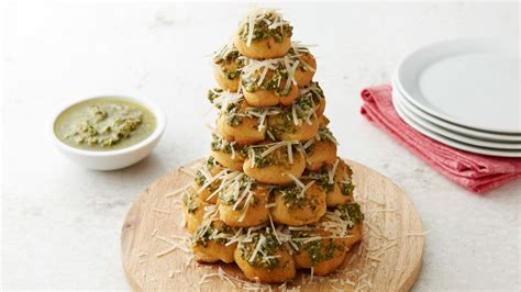 christmas tree appetizer pillsbury 3 ingredient pesto parmesan tree recipe pillsbury