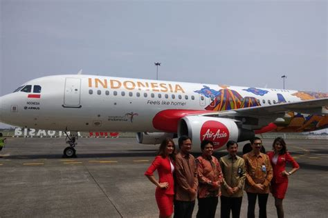airasia group booking indonesia ikon pariwisata indonesia hiasi pesawat airasia indonesia
