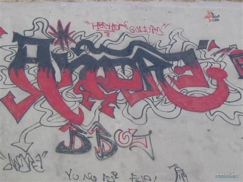 imagenes que digan andres graffiti de andre stilo callejero en lugar desconocido
