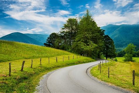 Which Wears Smoky Better by 6 Reasons A Smoky Mountain Vacation Will Make You Better