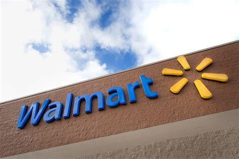 Walmart invites its employees to deliver packages to customers? homes