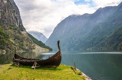 viking boats jobs viking boat njardar sognefjord gudvangen norway