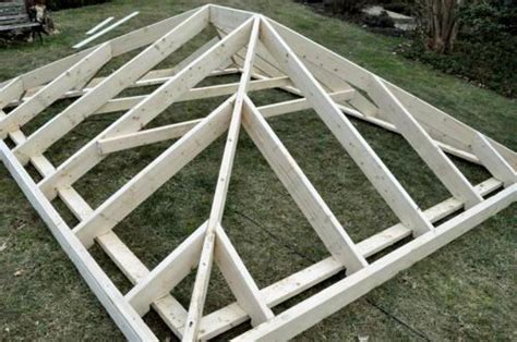How To Build A Pyramid Roof Best 25 Hip Roof Ideas On Carriage House