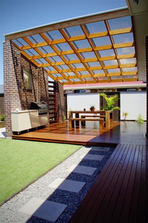 Decorating Your Beloved Home With Polycarbonate Roof Pergola Clear Roof