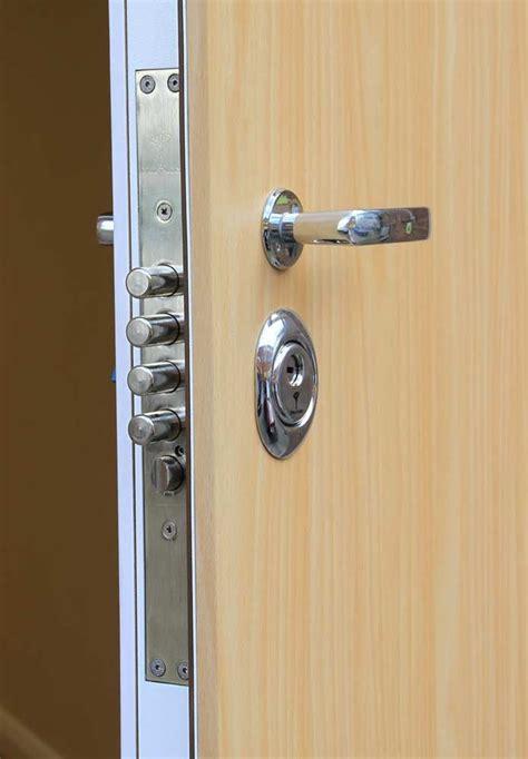 front doors locks 2