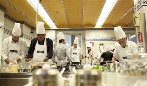 migliore scuola di cucina italiana i 7 migliori corsi di cucina a