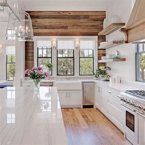 beach house kitchen design best 25 beach kitchens ideas on pinterest pretty beach