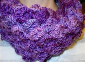 Easy Infinity Scarf Crochet Pattern Easy To Crochet Bobbles Infinity Scarf By Craftdrawer