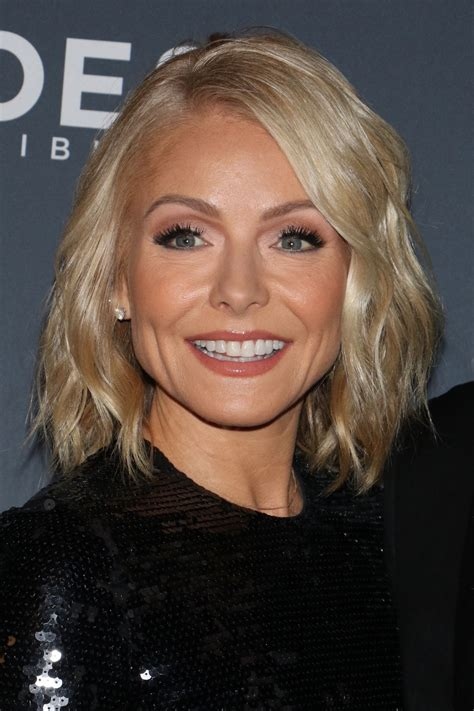 does kelly ripa have fine or thick hair kelly ripa at 11th annual cnn heroes an all star tribute