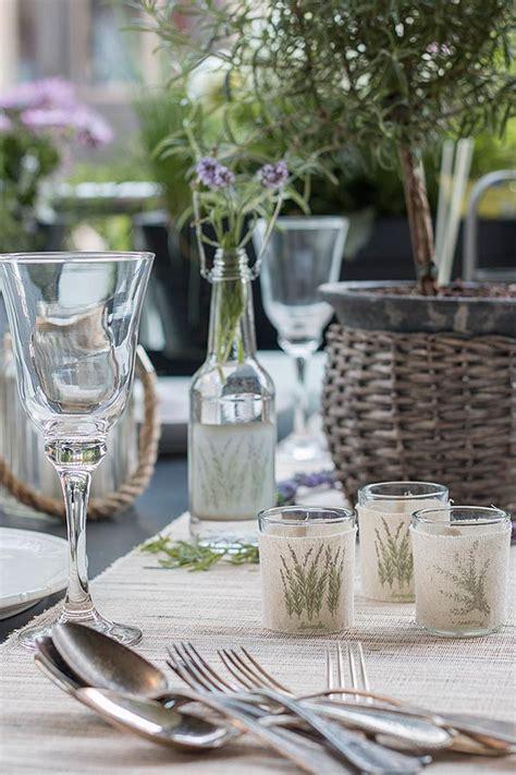 Sommerliche Tischdeko by Tischdeko Im Lavendel Look Sch 246 N Bei Dir By Depot