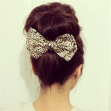 cool hair donut voluminous top knot buntutorial 7beautytips