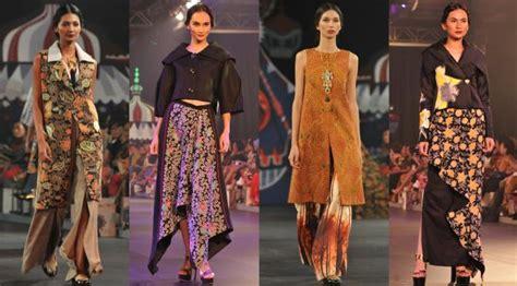 Hotpants Kembang di pasar malam denny wirawan jajakan busana modern batik kudus lifestyle liputan6