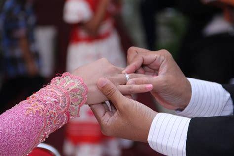 Buku Seri Hukum Harta Kekayaan Kedudukan Berkuasa Dan Hak Milik Dala meski telat perjanjian perkawinan perlu didaftarkan