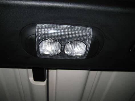 jeep wrangler dome light replacement service manual how to replace the dome light 2002 jeep