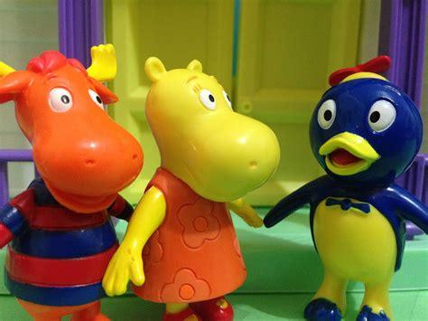 backyardigans nickelodeon song toys make a visit in pablo