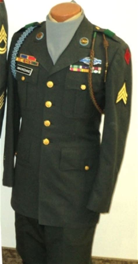 the gallery for   > us army dress uniforms history
