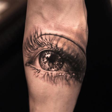 crying tattoo 18 mind blowing eye tattoos