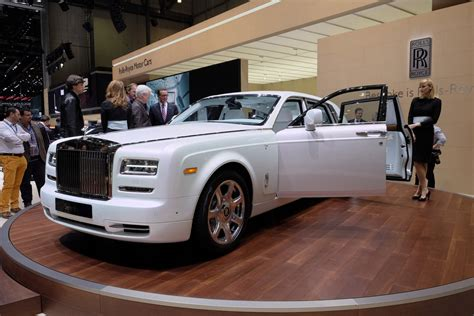 phantom car 2015 rolls royce phantom serenity geneva motor 2015