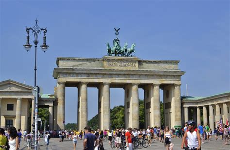 famous german architects a walk around berlin s famous sights