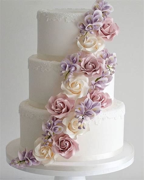 3 Tier Wedding Cake by Best 25 3 Tier Wedding Cakes Ideas On