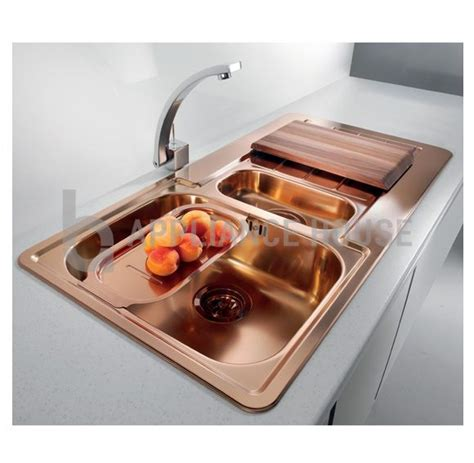 gold kitchen sink 25 best ideas about copper sinks on country