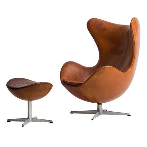 Fritz Hansen Chair by Arne Jacobsen Egg Chair In Original Cognac Brown Leather