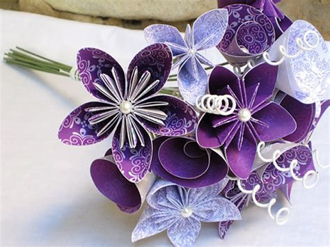 Origami Bouquet - origami wedding ideas cardinal bridal