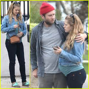 teresa palmer children s names teresa palmer mark webber furniture shopping for their