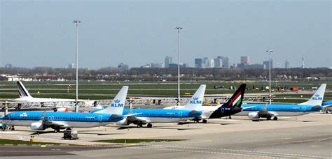 amsterdam airport flights