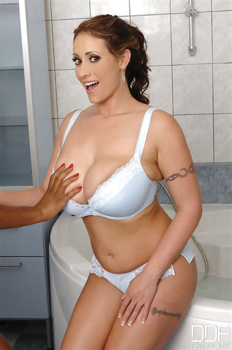 xxx porn bathroom when cantaloupes collide video with maserati eva notty