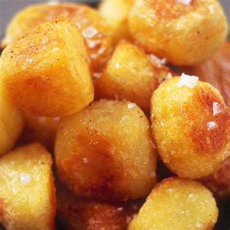 best roast potatoes how to make roast potatoes recipe by wareing