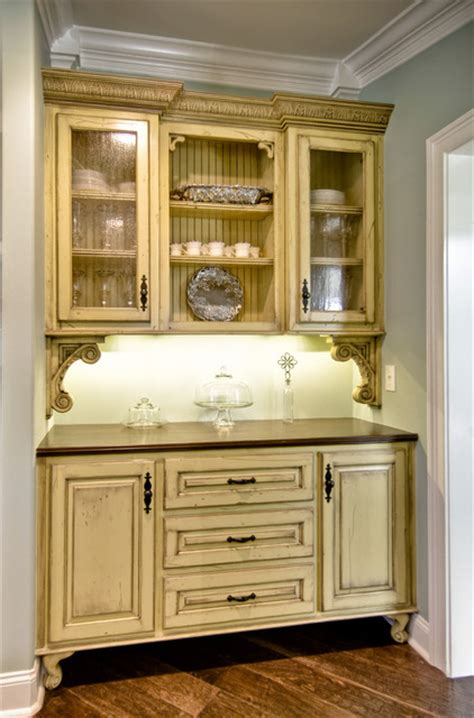 Butler Pantry Cabinets by Vintage Style Butler S Pantry Traditional Kitchen By Kirkland Custom Cabinets Inc