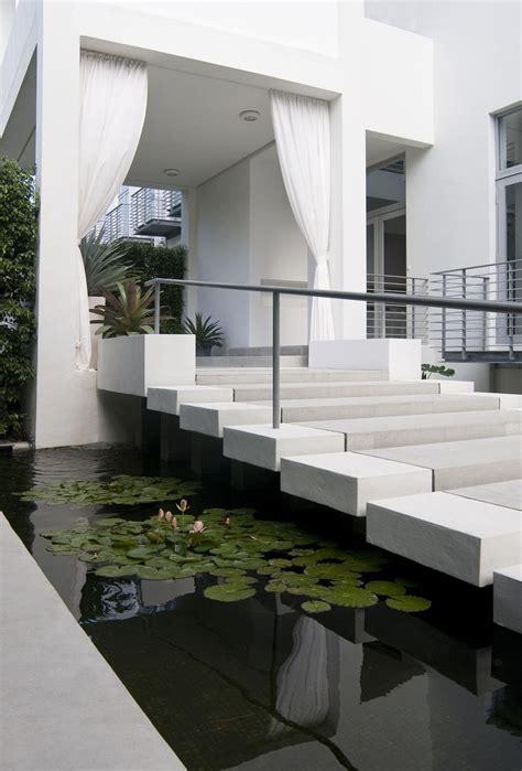 36 modern entrance design ideas for your home 40 modern entrances designed to impress architecture beast